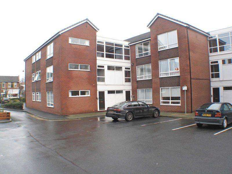 2 Bedrooms Apartment Flat for sale in Stocks Court, Poulton-Le-Fylde