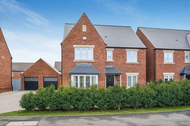 5 Bedrooms Property for sale in Camp Road, Upper Heyford, Bicester