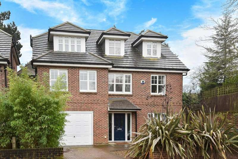 5 Bedrooms Detached House for sale in Park Farm Road, Bickley