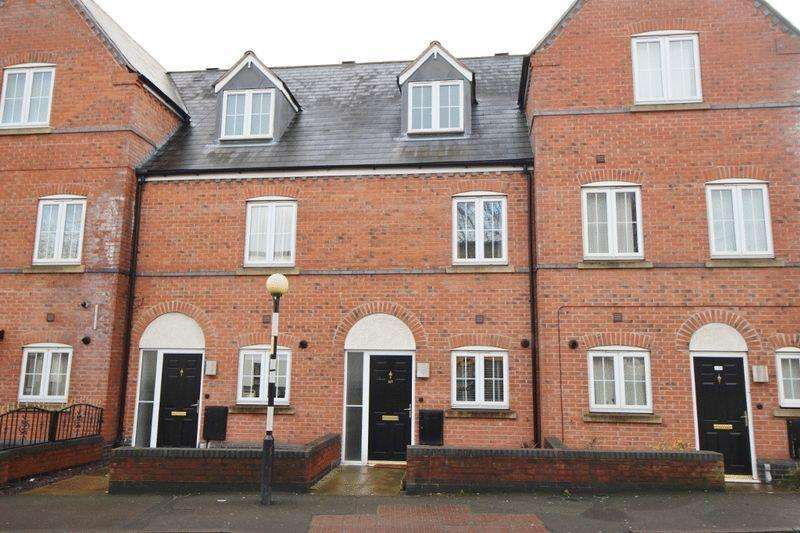 3 Bedrooms Terraced House for sale in Bloxwich Road South, Willenhall