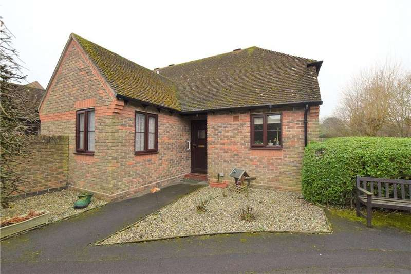 2 Bedrooms Retirement Property for sale in Highfield Court, Burghfield Common, Reading, RG7