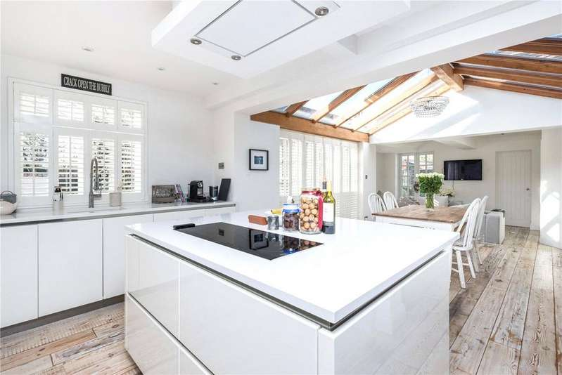 3 Bedrooms Semi Detached House for sale in Downside Common, Downside, Cobham, Surrey, KT11