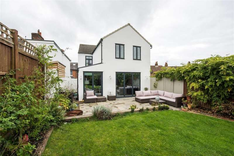 3 Bedrooms Detached House for sale in Nutley Lane, Reigate, Surrey, RH2