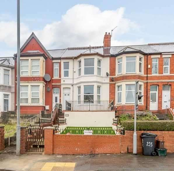 4 Bedrooms Terraced House for sale in Chepstow Road, Newport