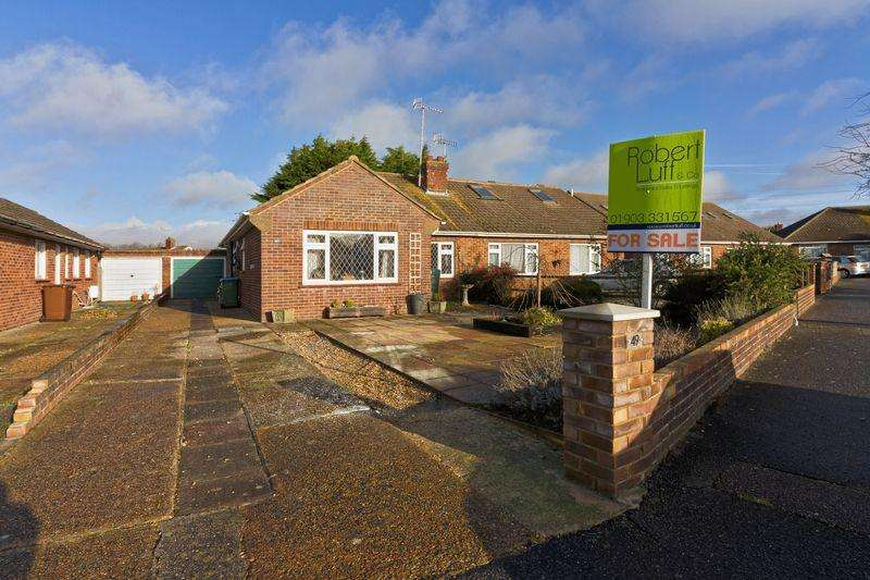 3 Bedrooms Bungalow for sale in Russells Close, East Preston