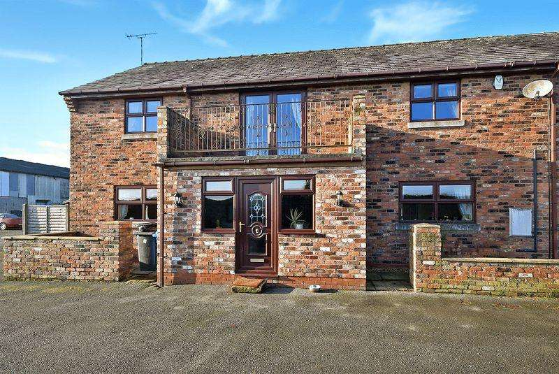 3 Bedrooms Detached House for sale in Pennystone House, Bold Heath