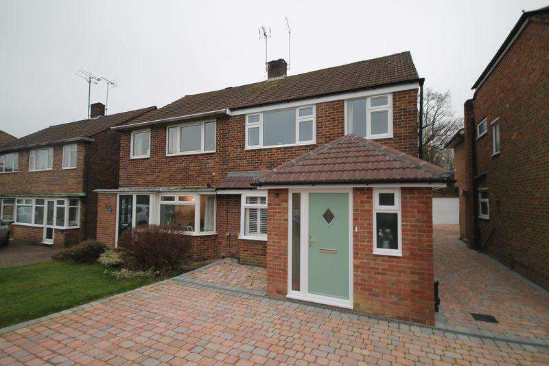 3 Bedrooms Semi Detached House for sale in Friars Oak Road, Hassocks, West Sussex,