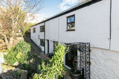 4 Bedrooms End Of Terrace House for sale in Llawr Pentre, Old Colwyn, Colwyn Bay, Conwy, LL29