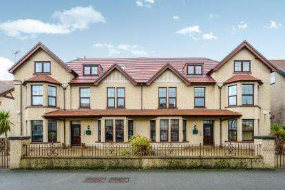 2 Bedrooms Flat for sale in Lloyd Street, Llandudno, Conwy, North Wales, LL30