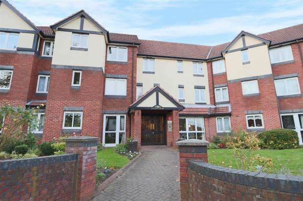1 Bedroom Retirement Property for sale in Valley Court, Sherwood, Nottingham, NG5 3GA
