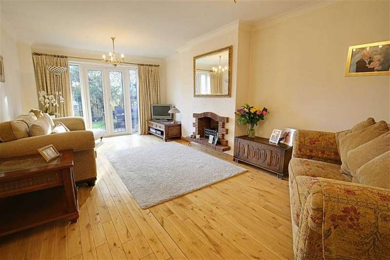 4 Bedrooms Detached House for sale in The Lindens, Loughton
