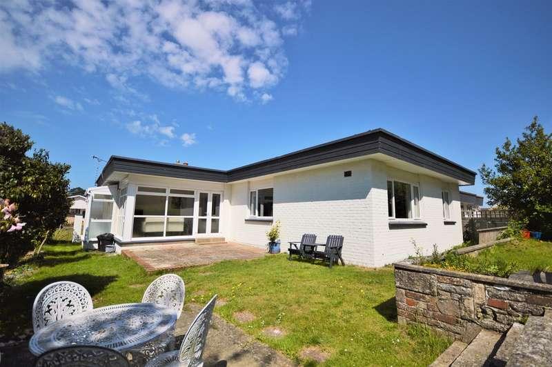 3 Bedrooms Detached Bungalow for sale in Windsor Drive, Shanklin