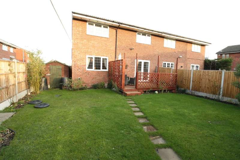 3 Bedrooms Semi Detached House for sale in Samphire Court, Little Thurrock