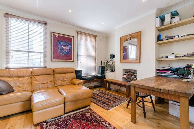 2 Bedrooms Flat for sale in Moore Park Road, Fulham Broadway, SW6