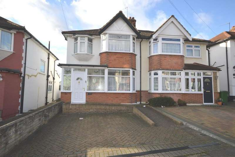 3 Bedrooms Semi Detached House for sale in Park End Road, Romford, RM1