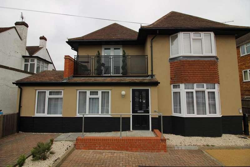 2 Bedrooms Maisonette Flat for rent in Mutton Lane, Potters Bar EN6