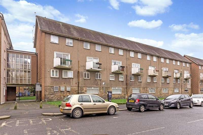 3 Bedrooms Apartment Flat for sale in 3B Wardrop Street, Paisley, Renfrewshire, PA1