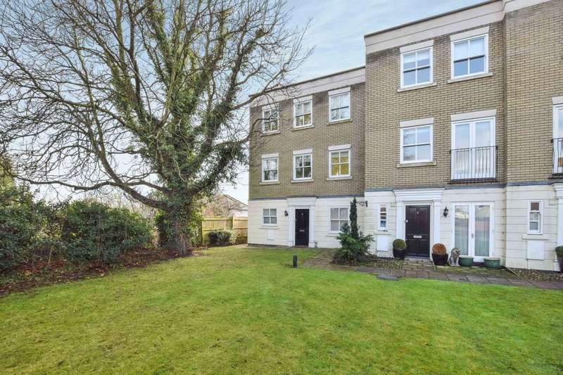 4 Bedrooms Town House for sale in East Hill, Colchester, CO1 2QU