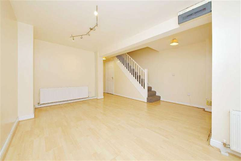 5 Bedrooms Detached House for rent in Westminster Drive, Palmers Green, London
