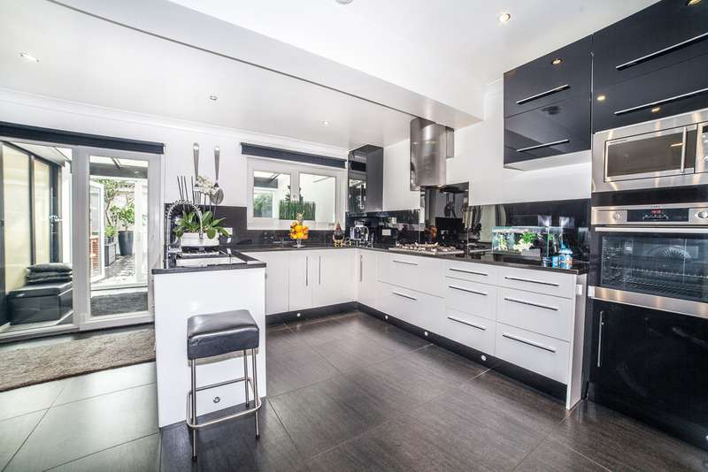 4 Bedrooms Terraced House for sale in York Hill, West Norwood SE27