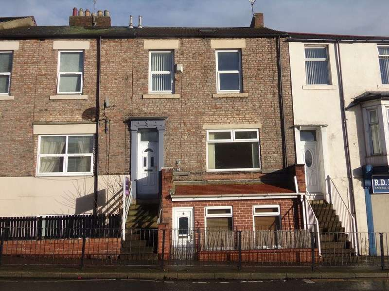 3 Bedrooms Maisonette Flat for sale in Prudhoe Terrace, North Shields, Tyne and Wear, NE29 6SF