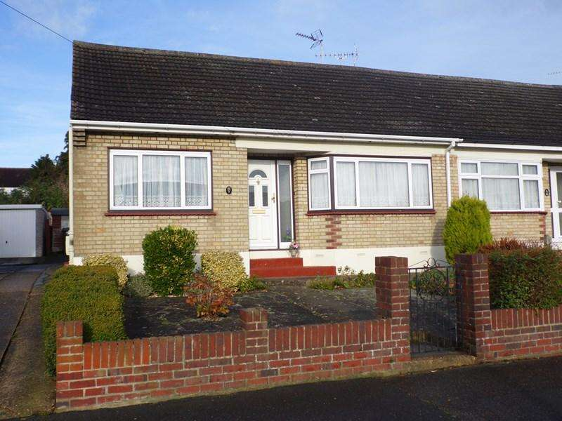 2 Bedrooms Semi Detached Bungalow for sale in Nevern Road, Rayleigh