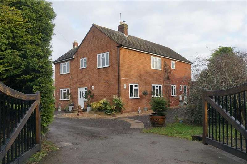 4 Bedrooms Detached House for sale in Winchcombe Road, Sedgeberrow, Worcestershire