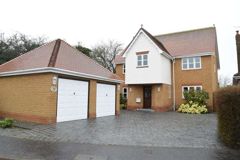 4 Bedrooms Detached House for sale in Ormesby Chine, South Woodham Ferrers, Chelmsford