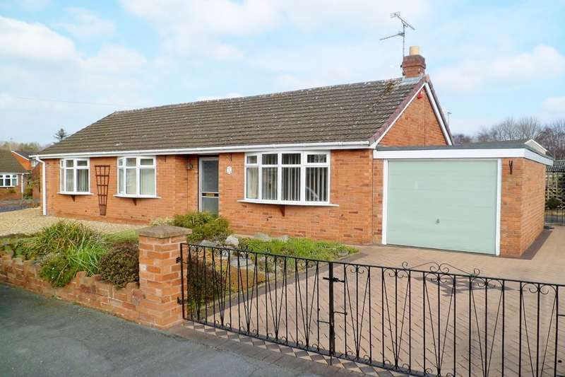 3 Bedrooms Detached Bungalow for sale in Clarendon Avenue, Wrexham, LL11