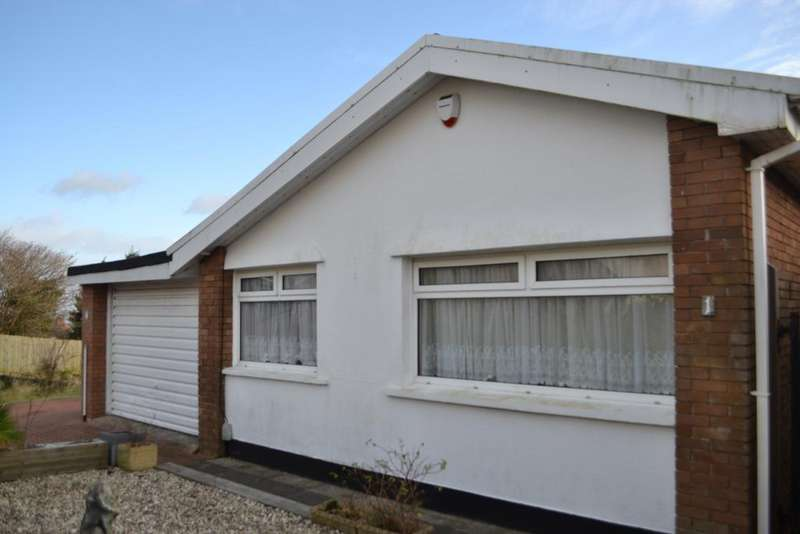 2 Bedrooms Bungalow for rent in Clyne Close, Swansea
