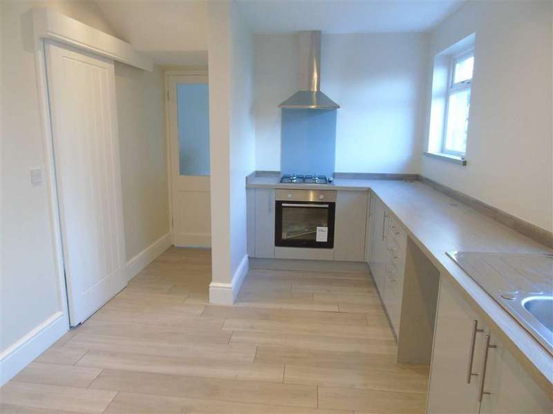 2 Bedrooms Terraced House for sale in Glasfryn, Dafen, Llanelli