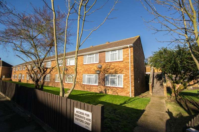 1 Bedroom Ground Maisonette Flat for sale in Wainwright Avenue, Hutton, Brentwood, Essex, CM13