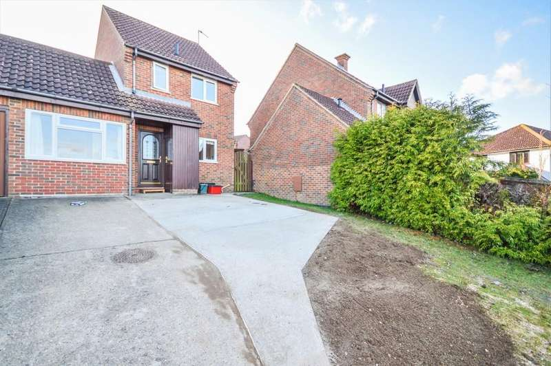 3 Bedrooms Link Detached House for sale in Gainsborough Drive, Lawford, Manningtree