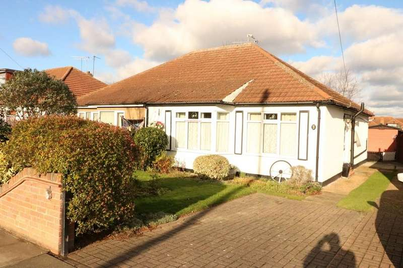 2 Bedrooms Semi Detached Bungalow for sale in Woodcutters Avenue, Leigh-on-Sea