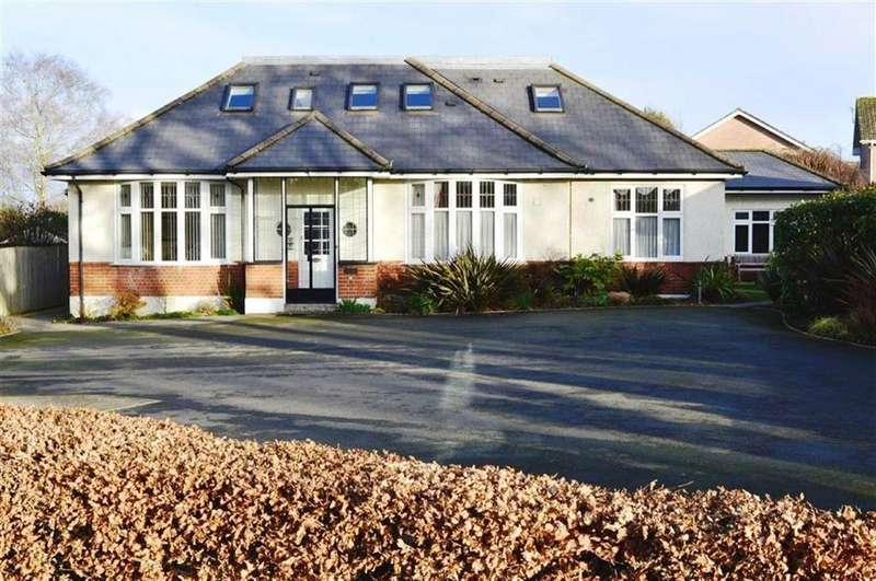 2 Bedrooms Flat for sale in Gravel Hill, Wimborne, Dorset