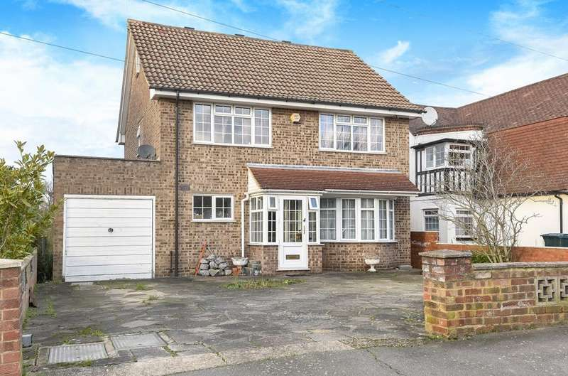 5 Bedrooms Detached House for sale in Brabourne Rise Beckenham BR3