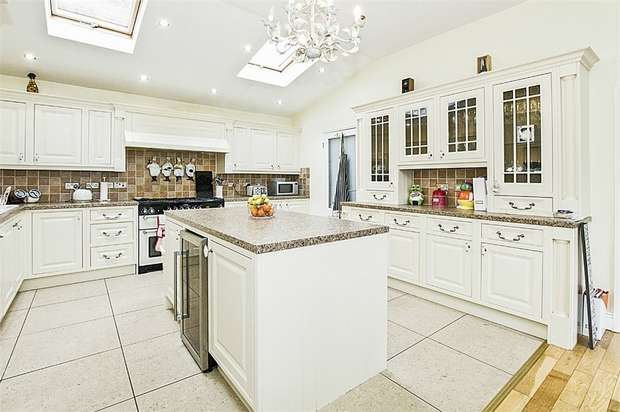 4 Bedrooms Detached House for sale in Greenhill Road, Mossley Hill, Liverpool, Merseyside