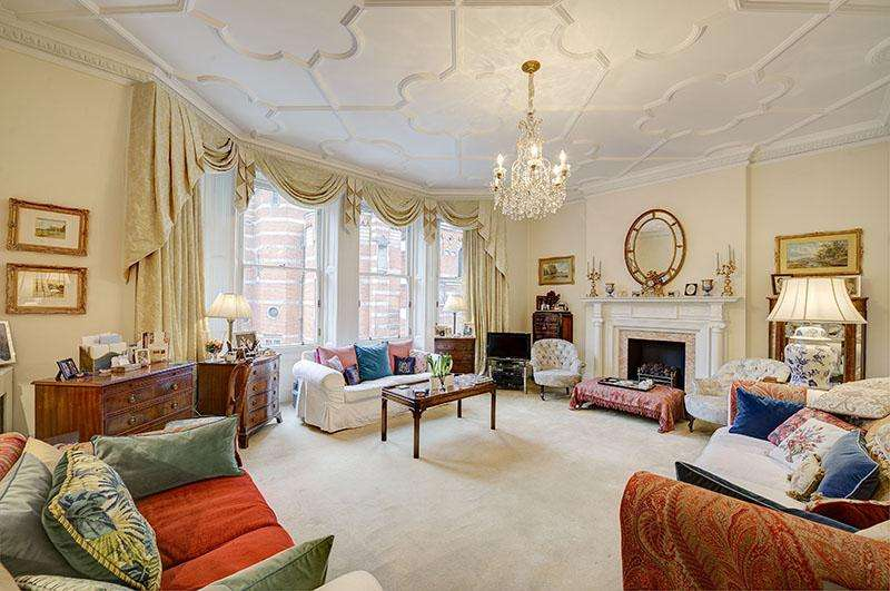 4 Bedrooms Flat for sale in Ashley Gardens, Ambrosden Avenue, London SW1P