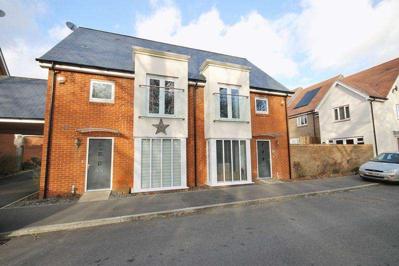 4 Bedrooms Semi Detached House for sale in Skylark Way, Burgess Hill, West Sussex