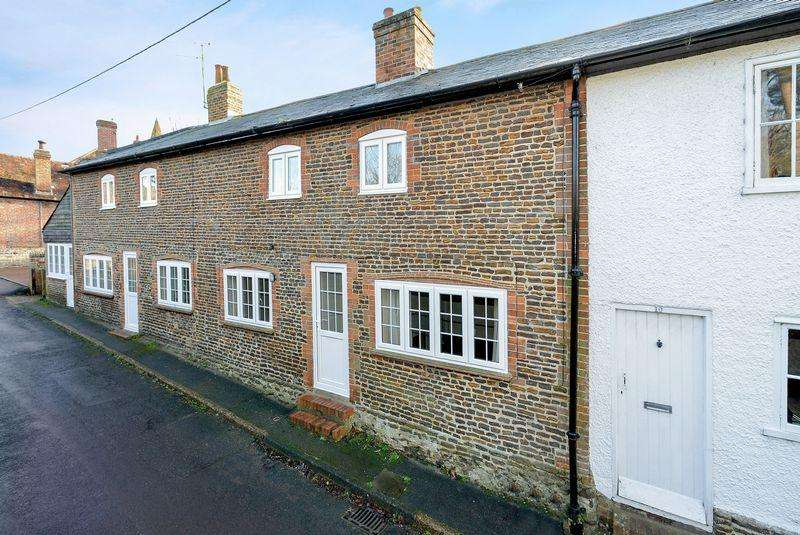 3 Bedrooms Terraced House for sale in Elstead