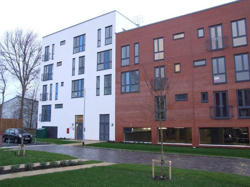 2 Bedrooms Apartment Flat for rent in Salvisburg Court, Otto Road AL7