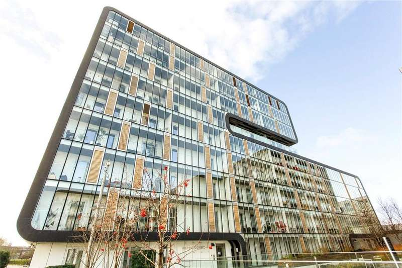 2 Bedrooms Flat for sale in Pepys Court, 20 Love Lane, Woolwich, London, SE18