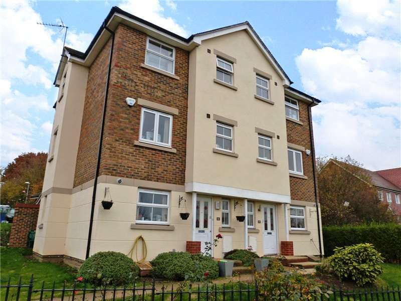 4 Bedrooms Semi Detached House for rent in Ptarmigan Heights, Jennetts Park, Bracknell, Berkshire, RG12