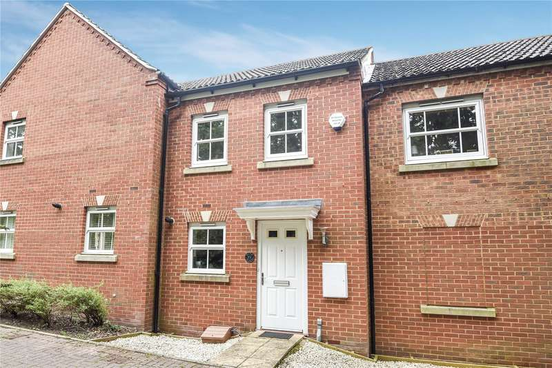 2 Bedrooms Terraced House for sale in Victoria Gardens, Wokingham, Berkshire, RG40
