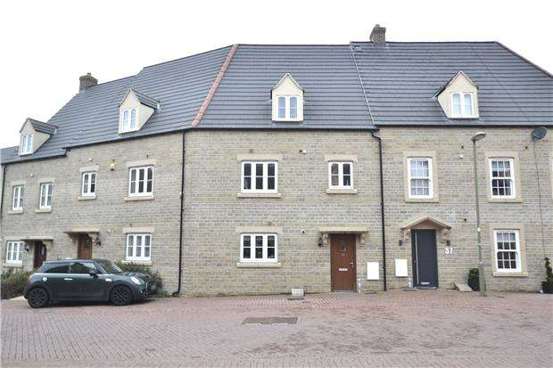 3 Bedrooms Terraced House for sale in Buttercross Lane, Witney, Oxon, OX28 4DN