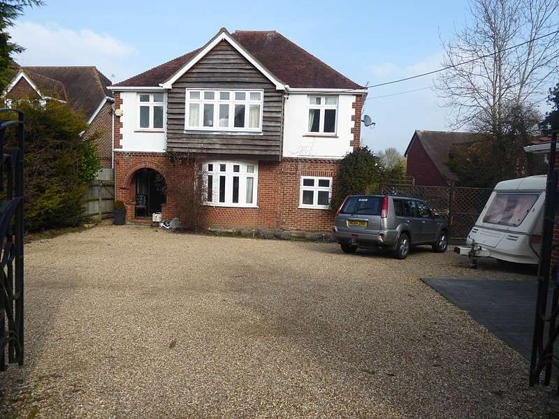 5 Bedrooms Detached House for sale in High Street, Botley, Southampton, SO30
