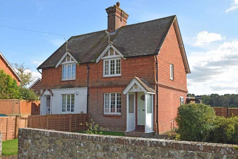 3 Bedrooms Semi Detached House for sale in Smithwood Common, Cranleigh GU6 8QW