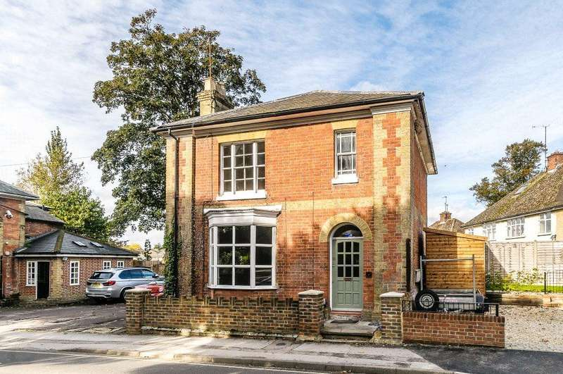 3 Bedrooms Detached House for sale in Basingstoke, Hampshire, RG21