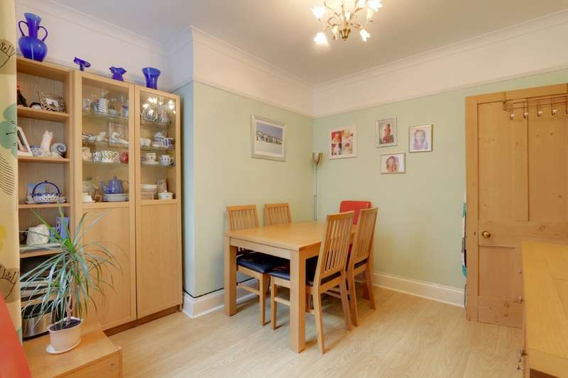 2 Bedrooms Terraced House for sale in Spencer Road, Newton Abbot