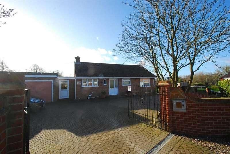 2 Bedrooms Detached Bungalow for sale in Chedburgh Road, Chevington, Bury St. Edmunds